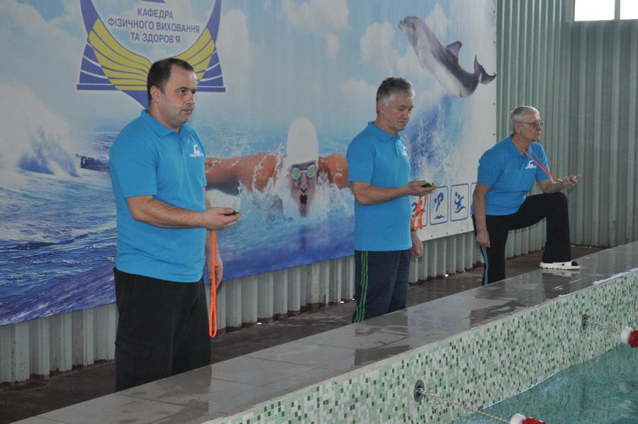 У Франківську відбулись змагання з плавання і шахів серед медпрацівників (фоторепортаж)