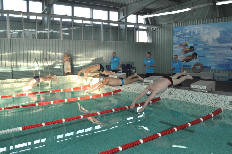 У Франківську відбулися змагання з плавання серед викладачів медичного університету (фоторепортаж)