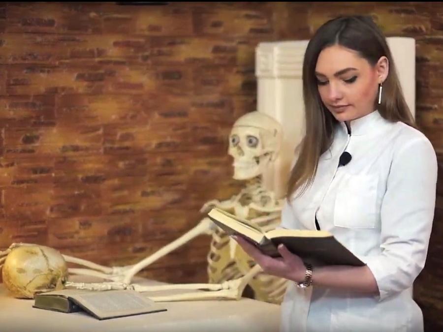 Студенти ІФНМУ різними мовами зачитали поезію Тараса Шевченка (відеосюжет)